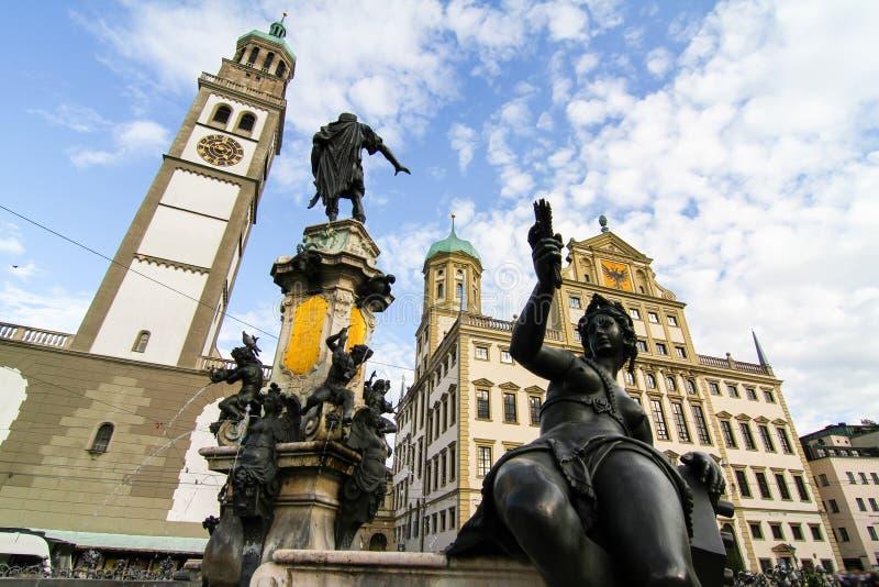 Prachtbrunnen in Augsburg lizenzfreie stockfotos