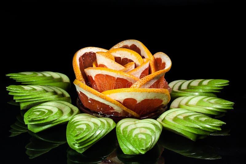 prachtig gesneden fruit †‹â€ ‹ stock afbeelding