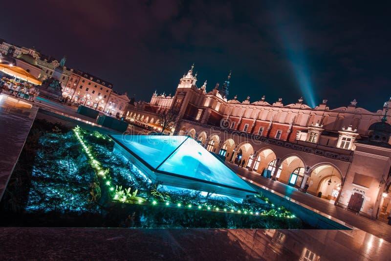 Prachtig Krakau bij Nacht stock afbeelding