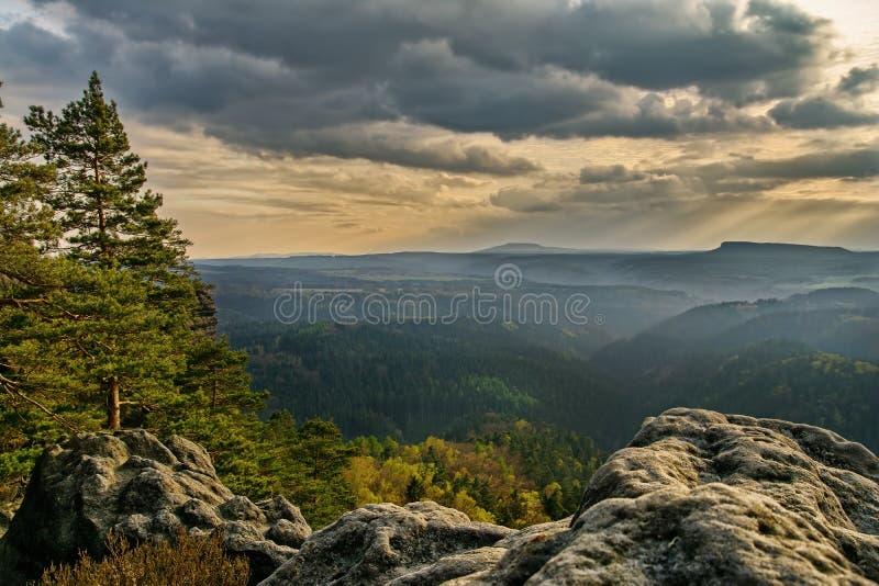 Prachtig mooi berglandschap royalty-vrije stock afbeeldingen