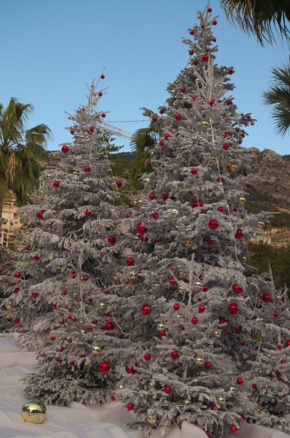 Prachtig verfraaide Kerstboom royalty-vrije stock fotografie