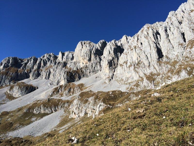Prachtige berg in Bergamo royalty-vrije stock afbeeldingen