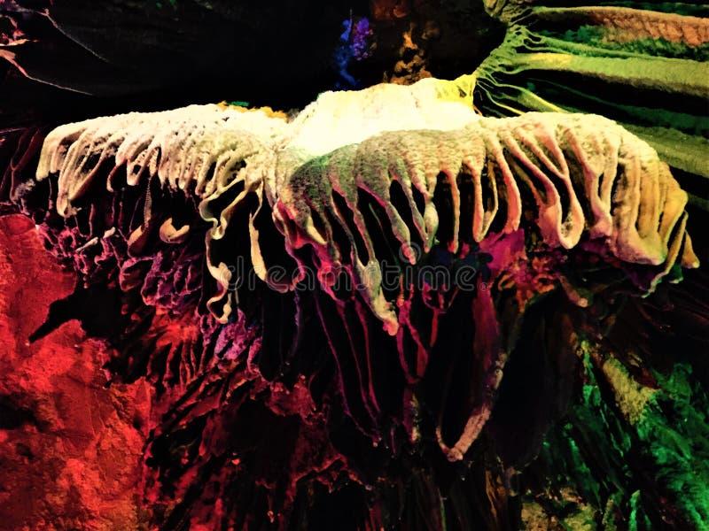 Prachtige en prachtige stalactiet stock afbeeldingen