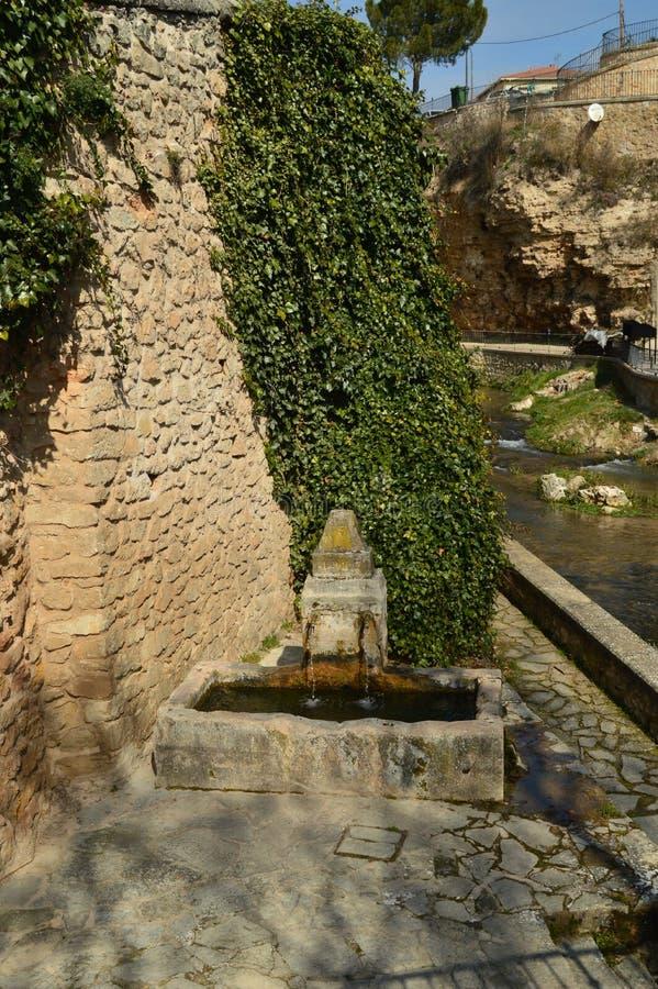 Prachtige fontein die van de 16de eeuw in de stad van Trillo dateren Architectuur, Reis, Aard royalty-vrije stock afbeeldingen