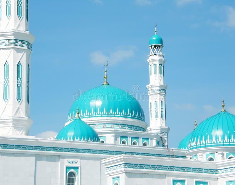 Prachtige koepel van de moskee in Karaganda stock foto
