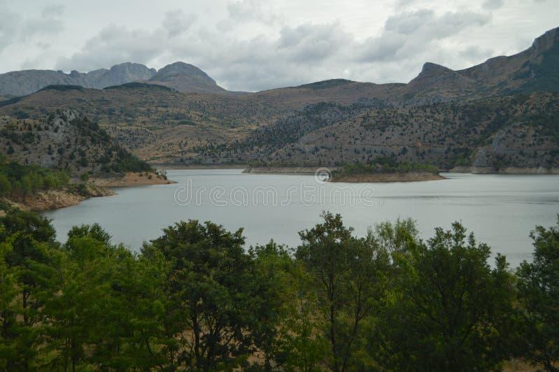 Prachtige Meningen op een Bewolkte Dag van Barrios DE Luna Reservoir 29 juli, 2015 Landschappen, Aard, Reis Barrios DE Luna, Leon royalty-vrije stock foto