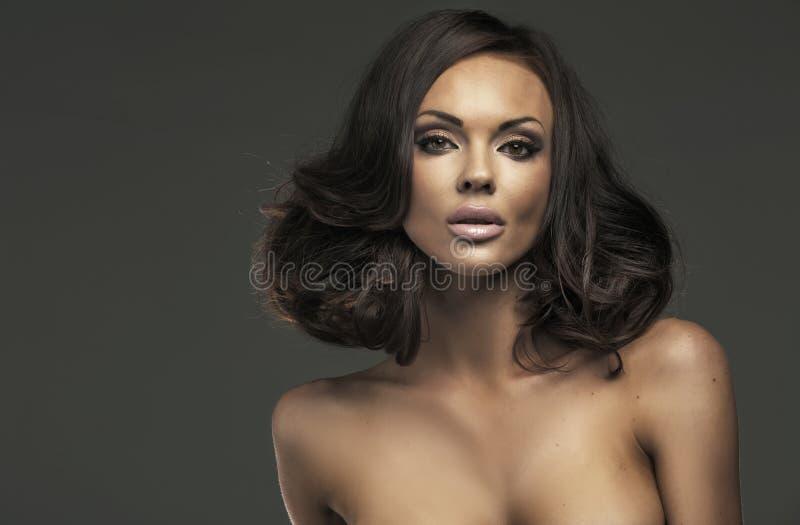 Prachtige vrouw met verbazende lippen royalty-vrije stock afbeelding