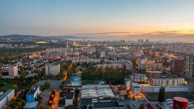 Prachtige zonsopgang in de hoofdstad van Slowakije royalty-vrije stock foto