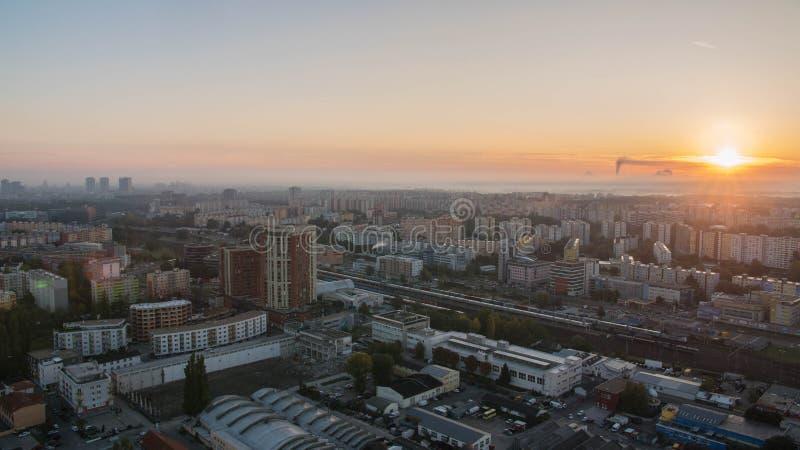 Prachtige zonsopgang in de hoofdstad van Slowakije stock foto