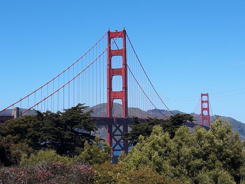 Prachtvolle GOLDEN GATE BRIDGE gelegen in San Francisco, Kalifornien, die Vereinigten Staaten von Amerika lizenzfreies stockbild