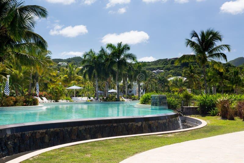 Prachtvolles Pool bei Anse Marcel auf Str. Martin stockfoto