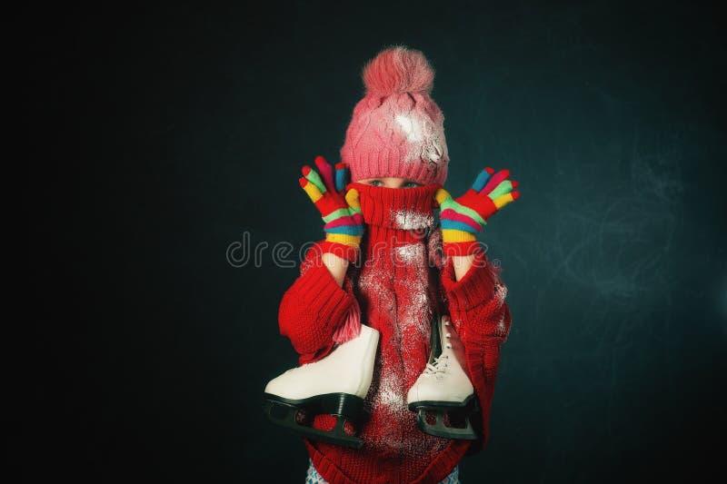 Pracowniany portret dziewczyny łyżwiarka troszkę zdjęcia royalty free