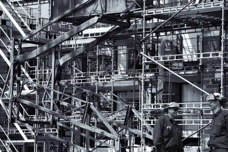 Pracownicy budowlani i budynku przemysł zdjęcia royalty free