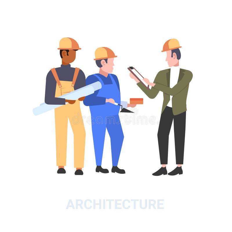 Pracownicy budowlani zespalają się dyskutujący nowego budynku projekt podczas spotkanie mieszanki rasy budowniczych w hełmie prze ilustracji