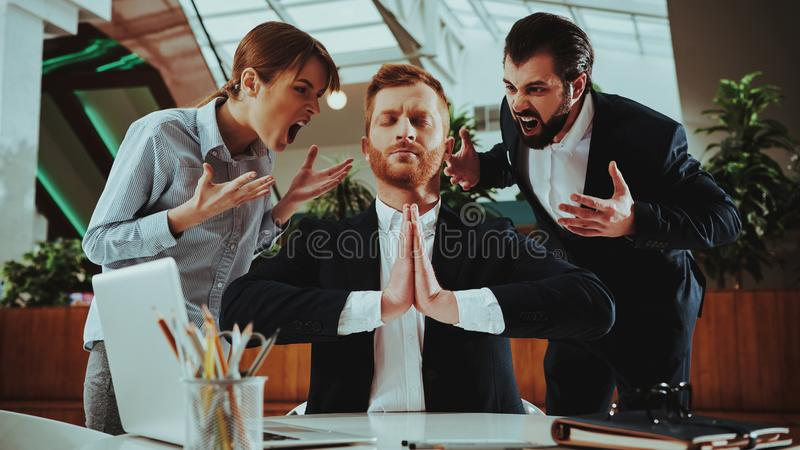 Pracowników utrzymań spokój, Medytować i praktyki joga, zdjęcie royalty free
