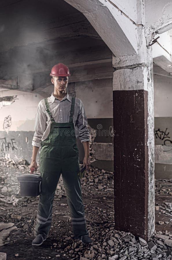 Pracownik przy budową fotografia stock