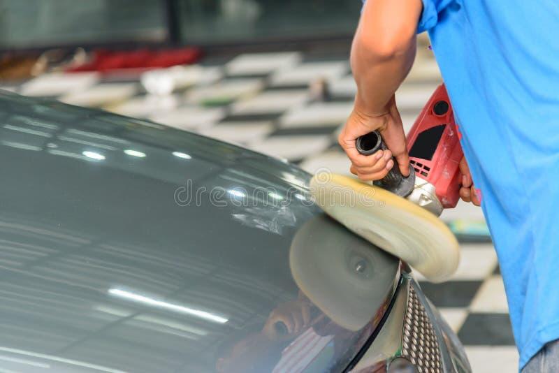 Pracownika połysk samochód samochodem zdjęcia stock
