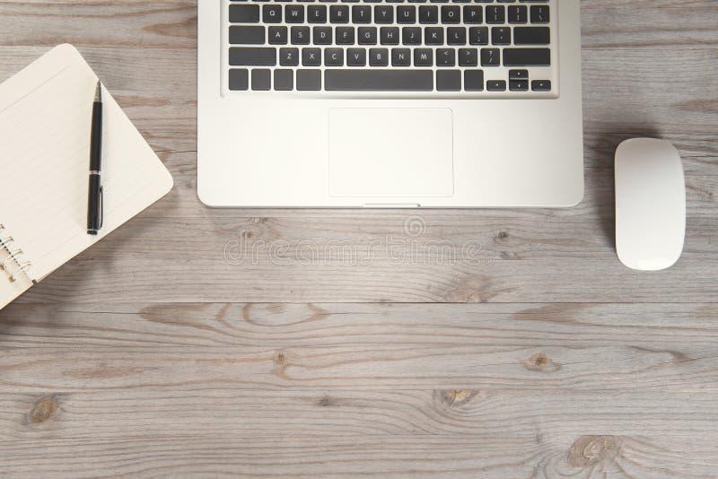 Pracujący biurko z kopii przestrzenią obrazy royalty free