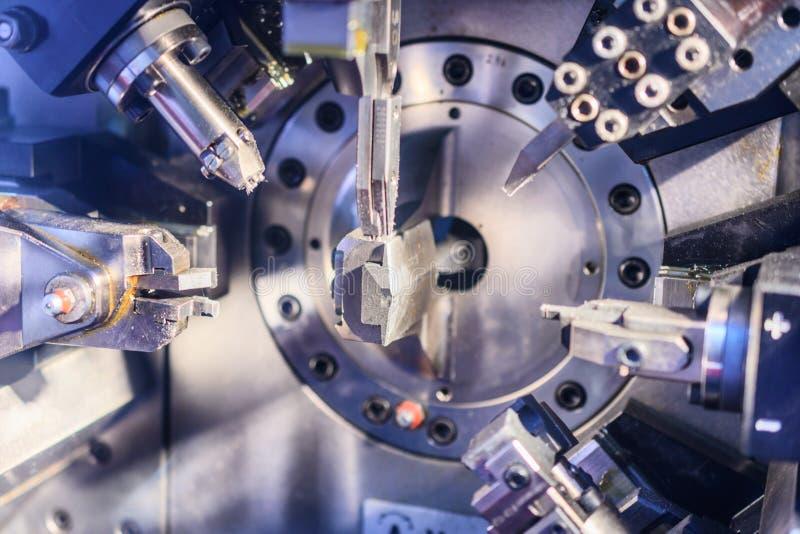 Pracujący maszynowy terenu CNC obraz royalty free