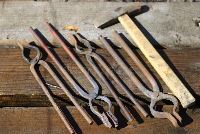 Pracujący narzędzia dla blacksmith obraz royalty free