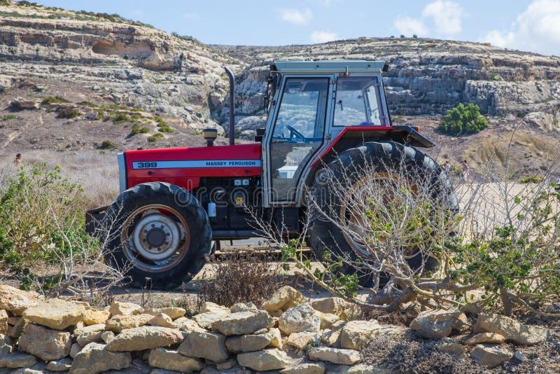 Prado y tractor Agricultura Foto el 2018 del viaje de septiembre imágenes de archivo libres de regalías