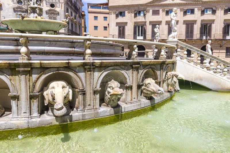 Praetorian Brunnen Fontana Pretoria in Palermo, Sizilien, Italien stockfotos