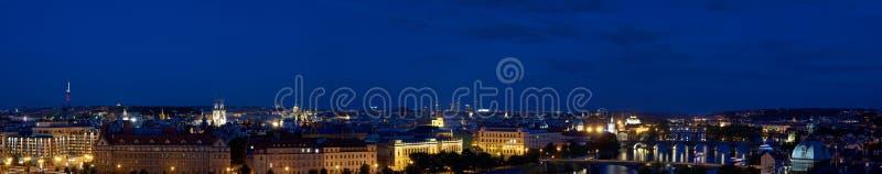 Prag-Abendpanorama lizenzfreies stockfoto