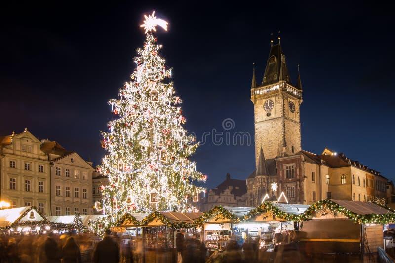 Prag - alter Rathausplatz stockbild