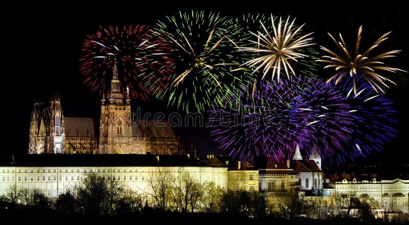Prag castleand Feiern des neuen Jahres stockbild