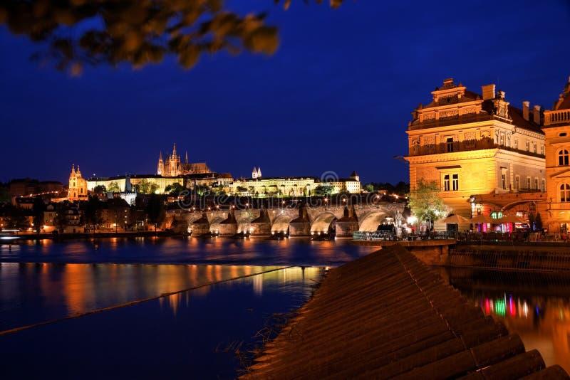 Prag, Charles-Brücke und Prag-Schloss lizenzfreies stockbild