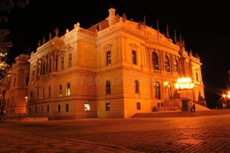 Prag in der Nacht stockbild