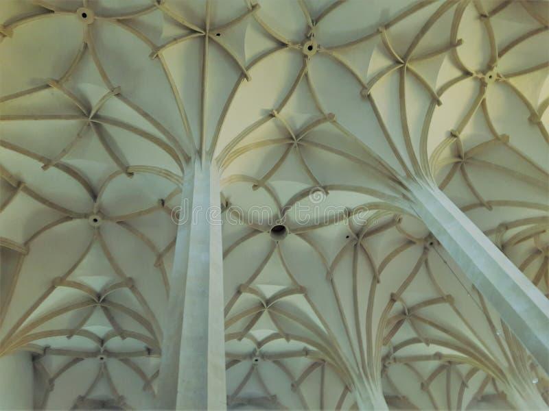 Prag-Kathedrale Hauptstadt des alten Stuhls der gotischen Architektur gesetzte tschechische im heißen Sommer in Mitteleuropa-Prot lizenzfreie stockfotografie
