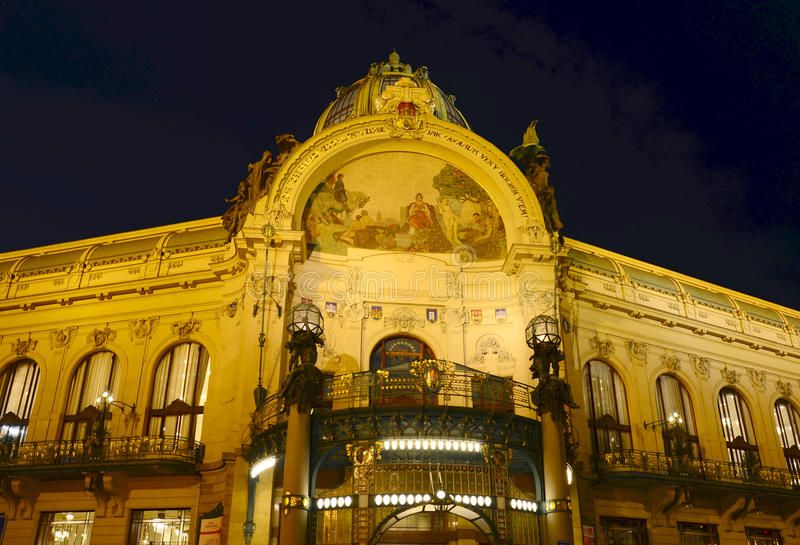 Prag nachts lizenzfreies stockbild