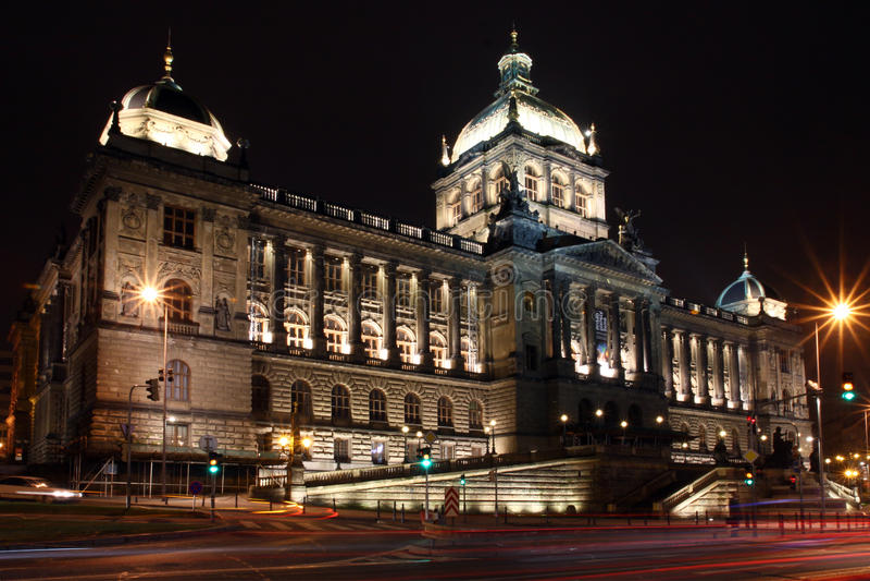 Prag - Nationalmuseum lizenzfreies stockbild