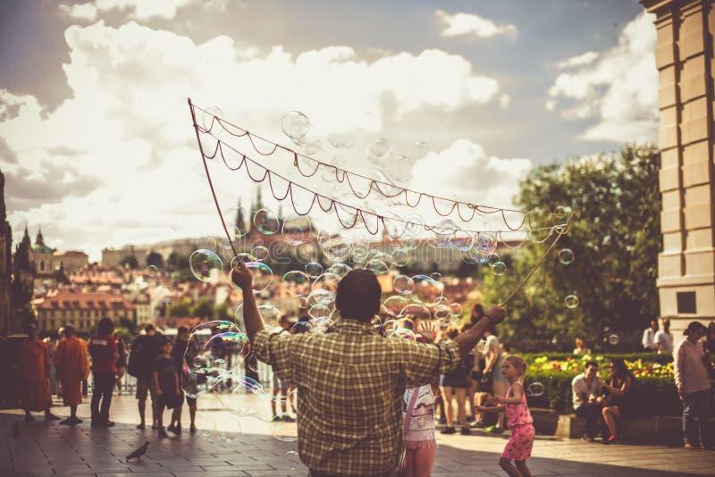 Praga bąbla Uliczna sztuka zdjęcia royalty free