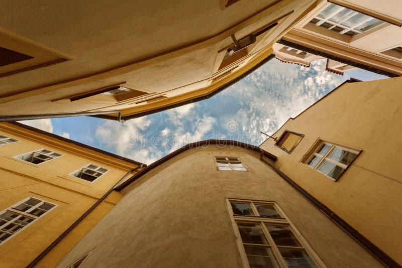 PRAGA, cyganeria, republika czech - Typowa linia horyzontu Stary miasteczko obraz stock