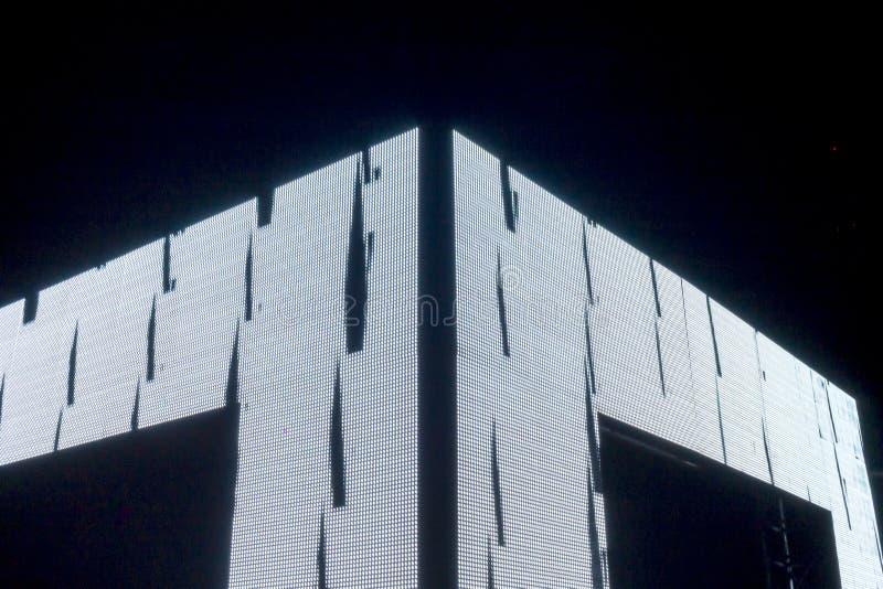 PRAGA, CZ - PAŹDZIERNIK 12, 2017: Aksjomat lekka instalacja zestawem Webster przy Praga Sygnałowego światła festiwalem 2017 zdjęcia stock