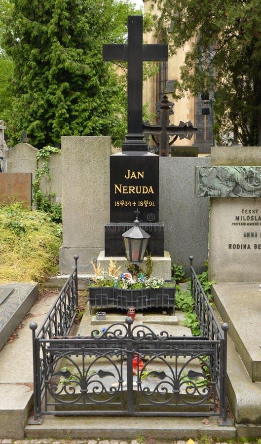 PRAGA - 19 DE JUNHO: Último lugar de descanso de Jan Neruda foto de stock royalty free
