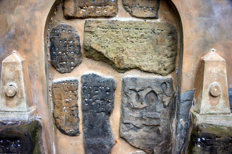 Praga, il vecchio cimitero ebreo fotografie stock libere da diritti