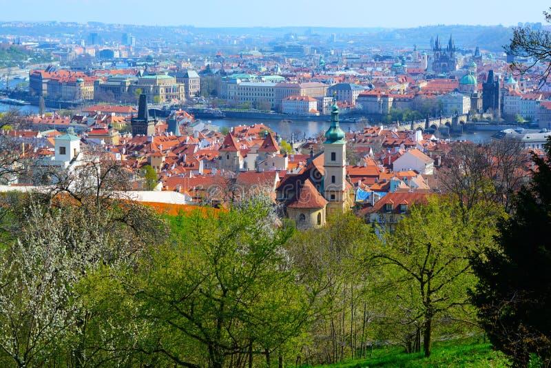 Praga na primavera foto de stock royalty free