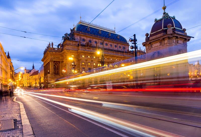 Praga przy nocą, Krajowy teatr zdjęcie stock