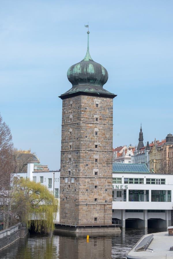 Praga/República Checa 04 02 2019: Arquitectura en la vieja plaza de Praga, República Checa Praga en la capital de Checo fotos de archivo
