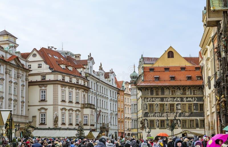 Praga, República Checa, cuadrado de Mesto de la mirada fija 'Minutos caseros ' imágenes de archivo libres de regalías