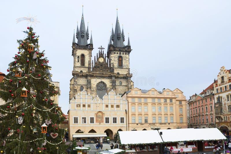 Praga, República Checa, cuadrado, mirada fija Mesto Catedral de la Virgen María foto de archivo libre de regalías