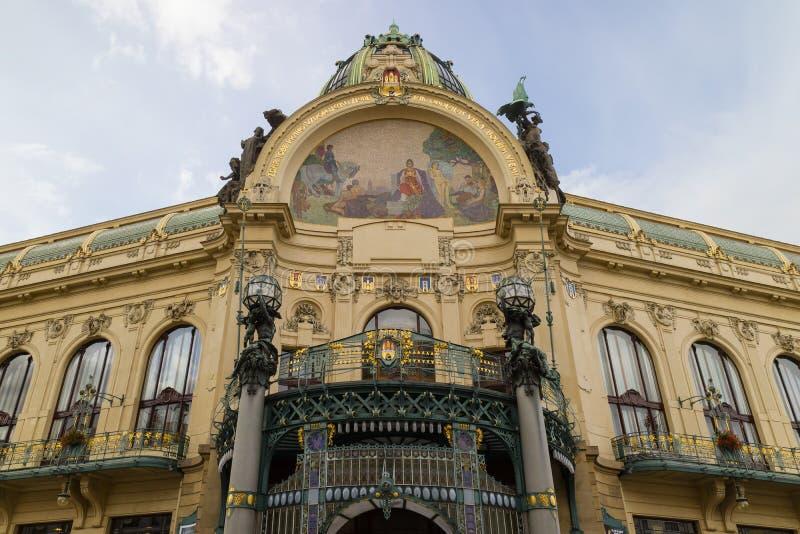 Praga, República Checa - 9 de octubre de 2017: La estructura de Art Nouveau imágenes de archivo libres de regalías