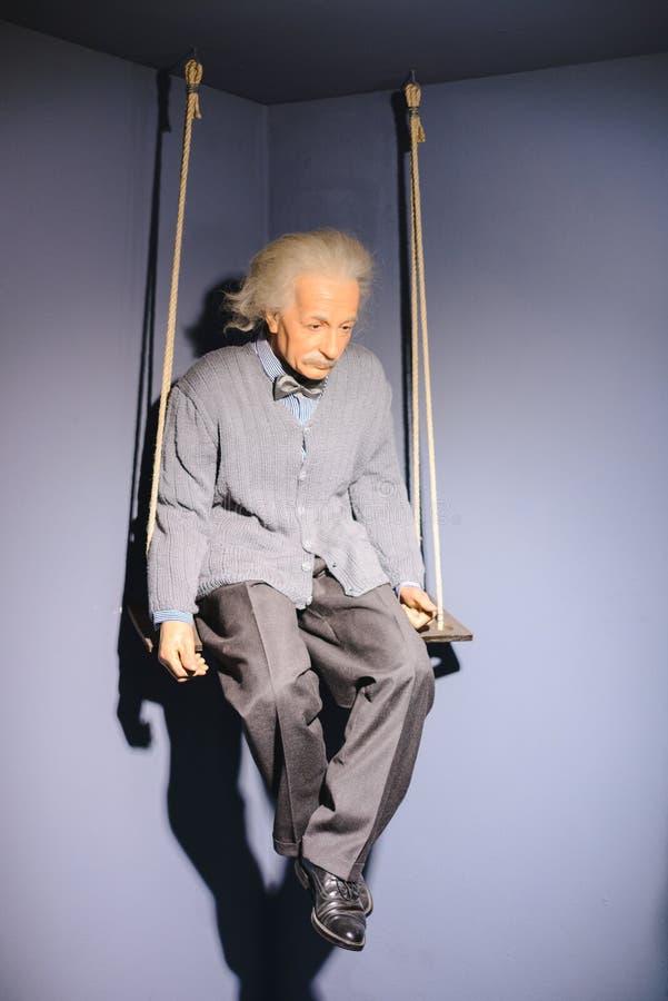 PRAGA, REPÚBLICA CHECA - EM MAIO DE 2017: A figura de cera do físico teórico alemão de origem Albert Einstein na senhora Tussaud  imagem de stock