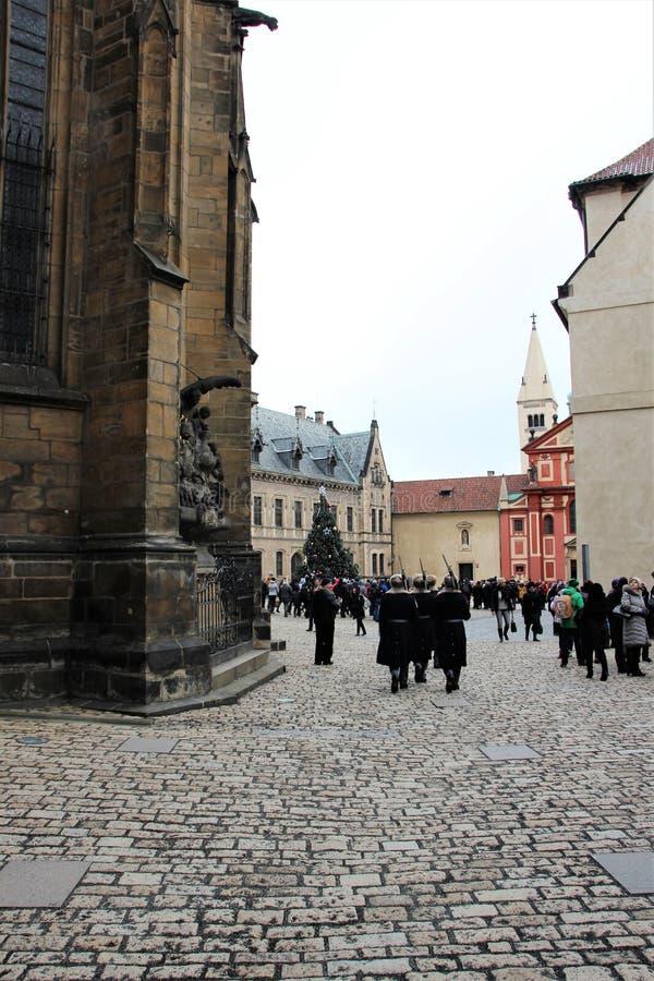 Praga, República Checa, enero de 2015 Vista del cuadrado dentro del complejo del palacio real fotografía de archivo