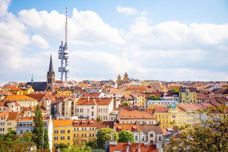 Praga, Rep?blica Checa - 6 05 2019: Visi?n desde arriba del monumento de Vitkov en el paisaje de Praga en un d?a soleado con imagenes de archivo