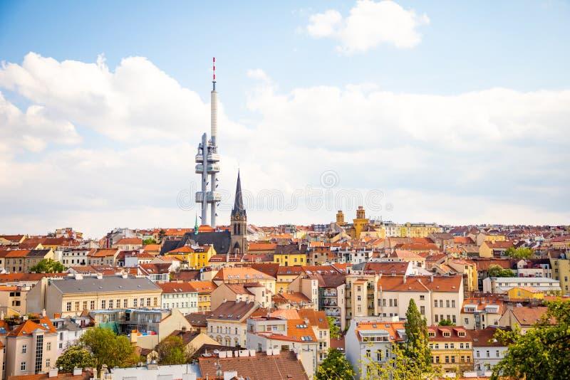 Praga, Rep?blica Checa - 6 05 2019: Visi?n desde arriba del monumento de Vitkov en el paisaje de Praga en un d?a soleado con foto de archivo