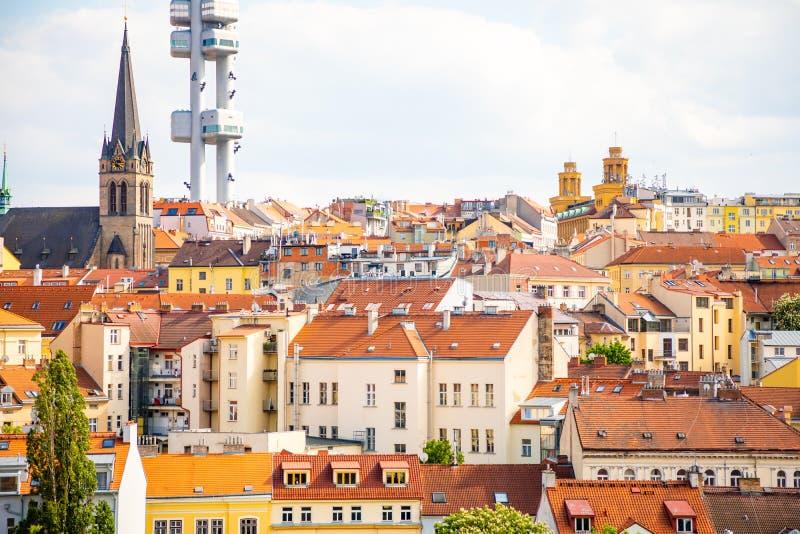 Praga, Rep?blica Checa - 6 05 2019: Visi?n desde arriba del monumento de Vitkov en el paisaje de Praga en un d?a soleado con imagen de archivo